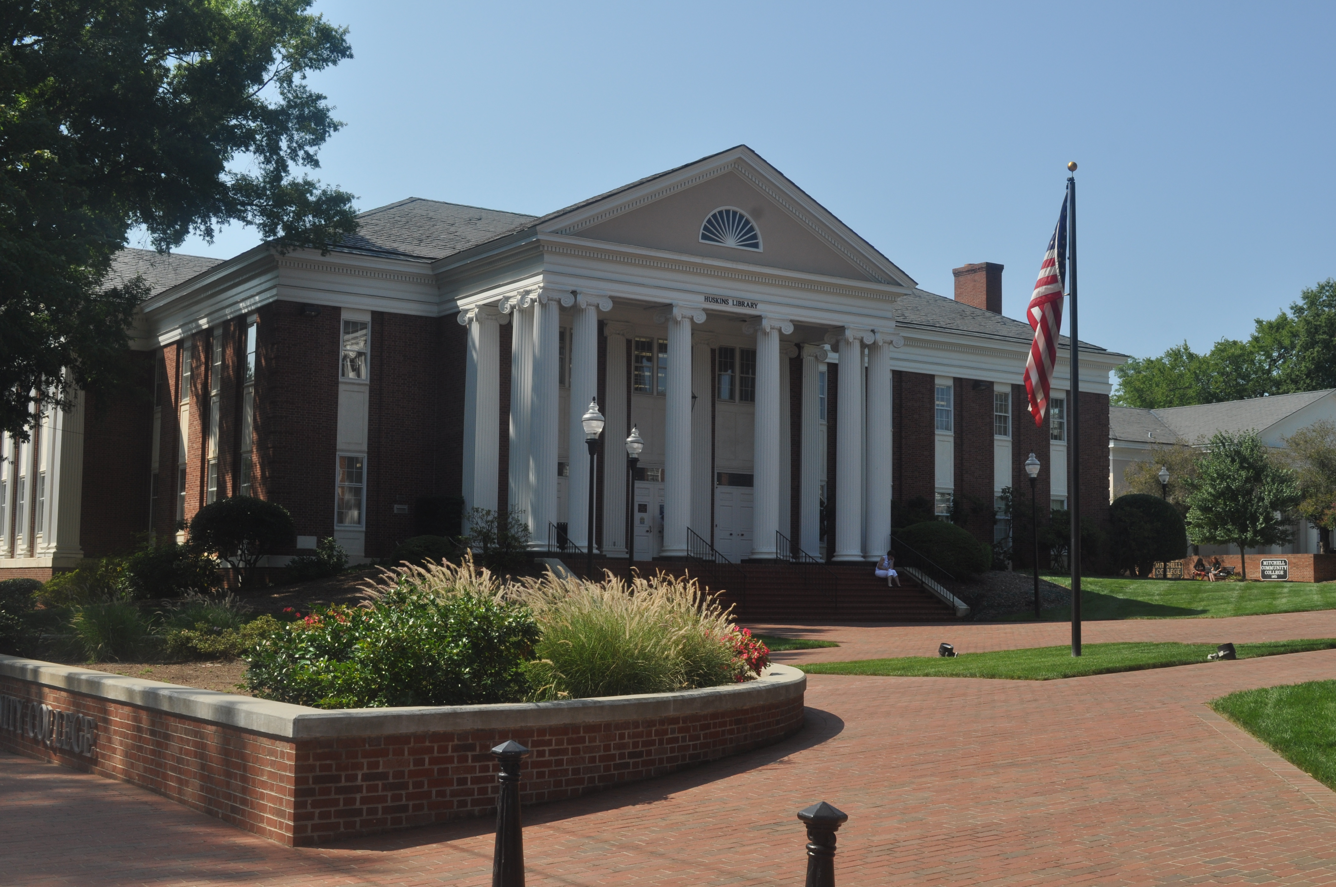 Huskins Library
