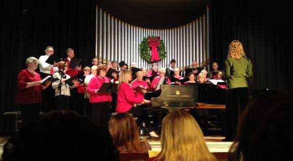 Community Chorus and Student Chorus sing holiday songs