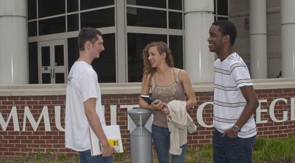 Students talk on Mooresville Campus